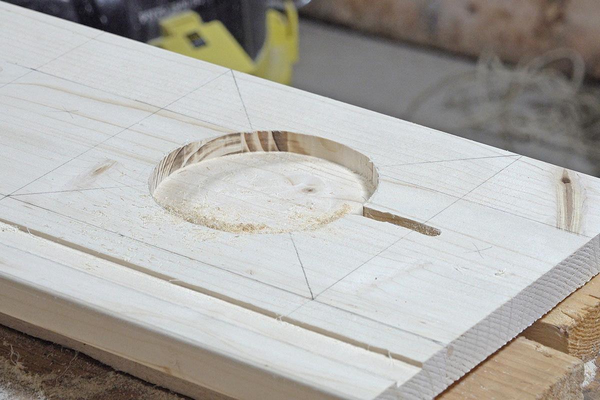 Tonie-Regal bauen – Schritt 2: Die Ladestation - Anleitung