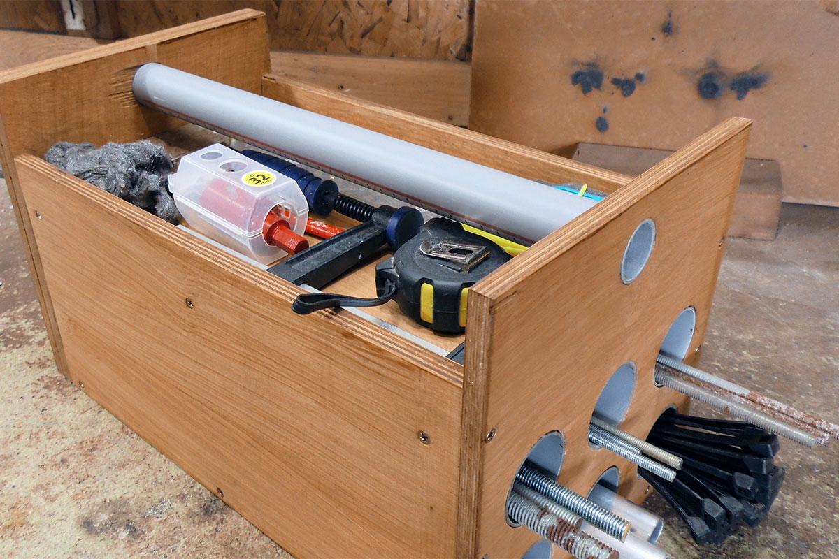 werkzeugkiste selber bauen die gewindestangen box anleitung. Black Bedroom Furniture Sets. Home Design Ideas