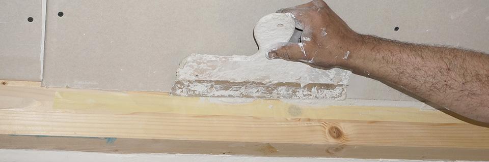 Gipskarton an holzbalken spachteln anleitung - Zimmerdecke abhangen anleitung ...