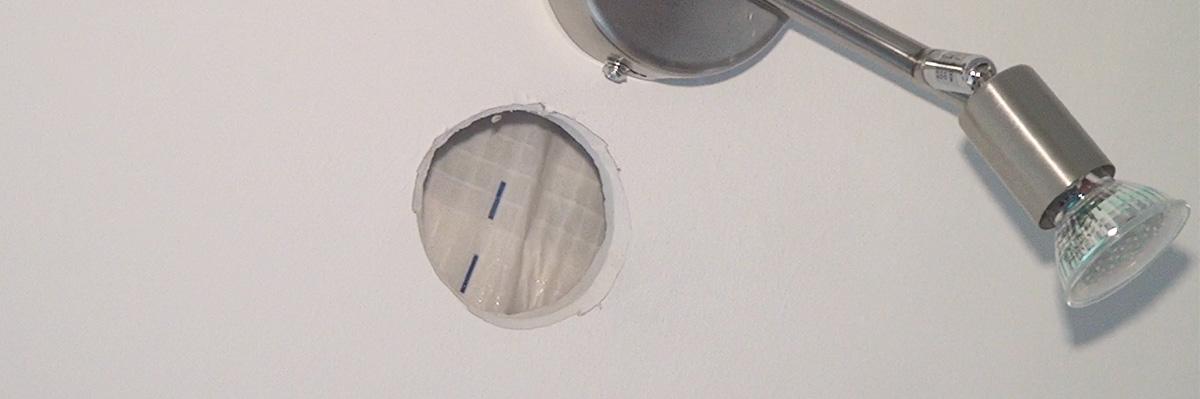 loch in einer rigipswand reparieren anleitung. Black Bedroom Furniture Sets. Home Design Ideas