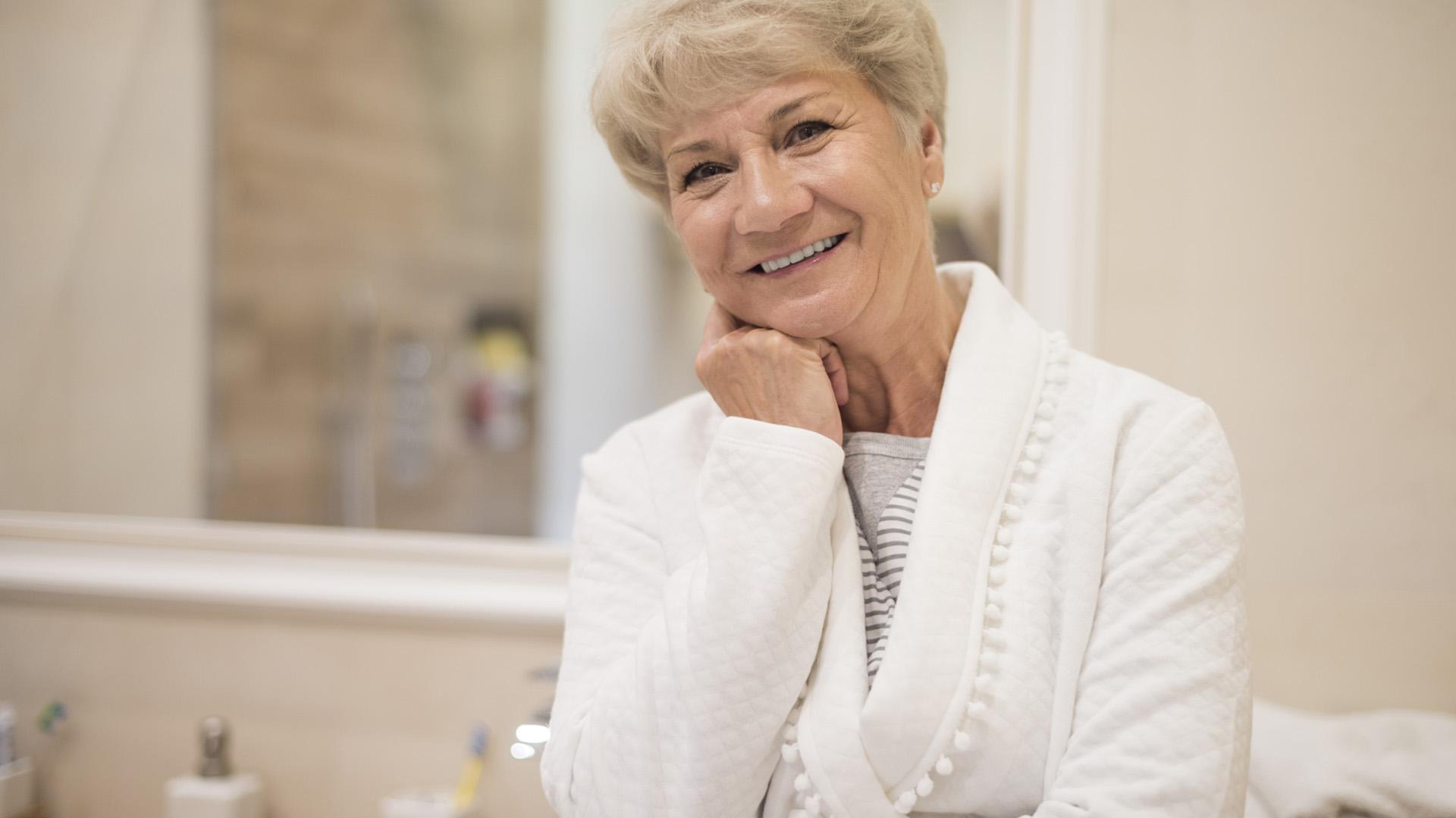 Badezimmer umbauen so gelingt es seniorengerecht in for Badezimmer umbauen