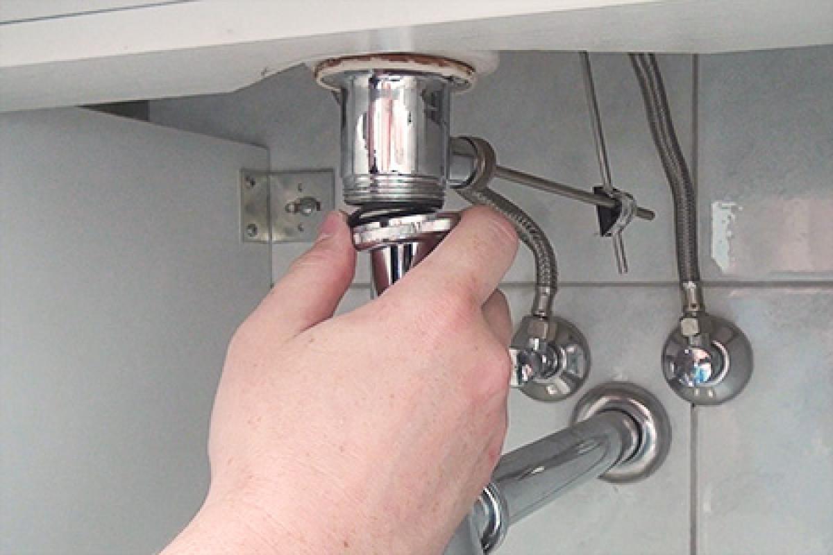 Dusche Abfluss öffnen.Duschabfluss Reinigen Wenn Der Abfluss Der Dusche