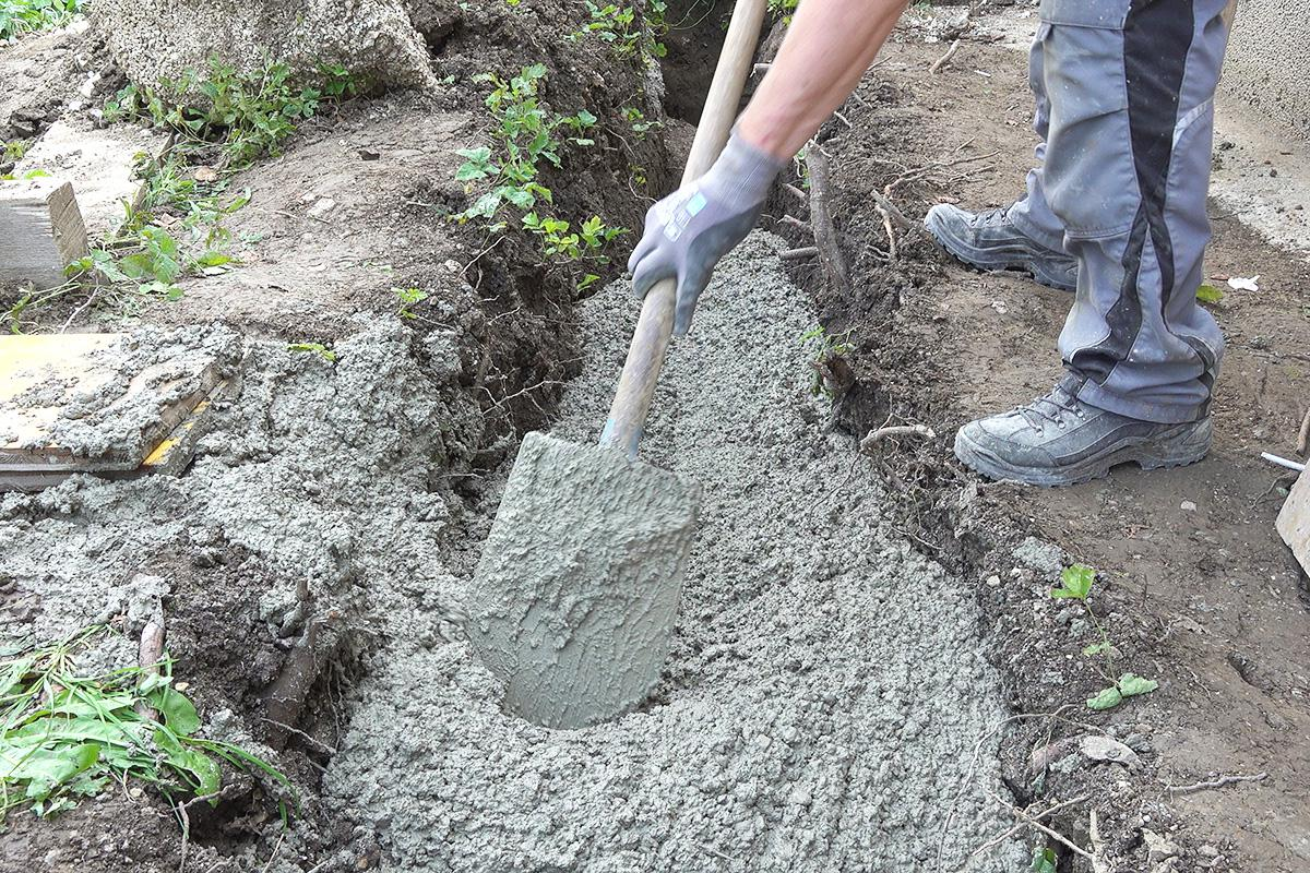 Favorit Stützmauer aus Schalsteinen betonieren - Anleitung @ diybook.at DY19