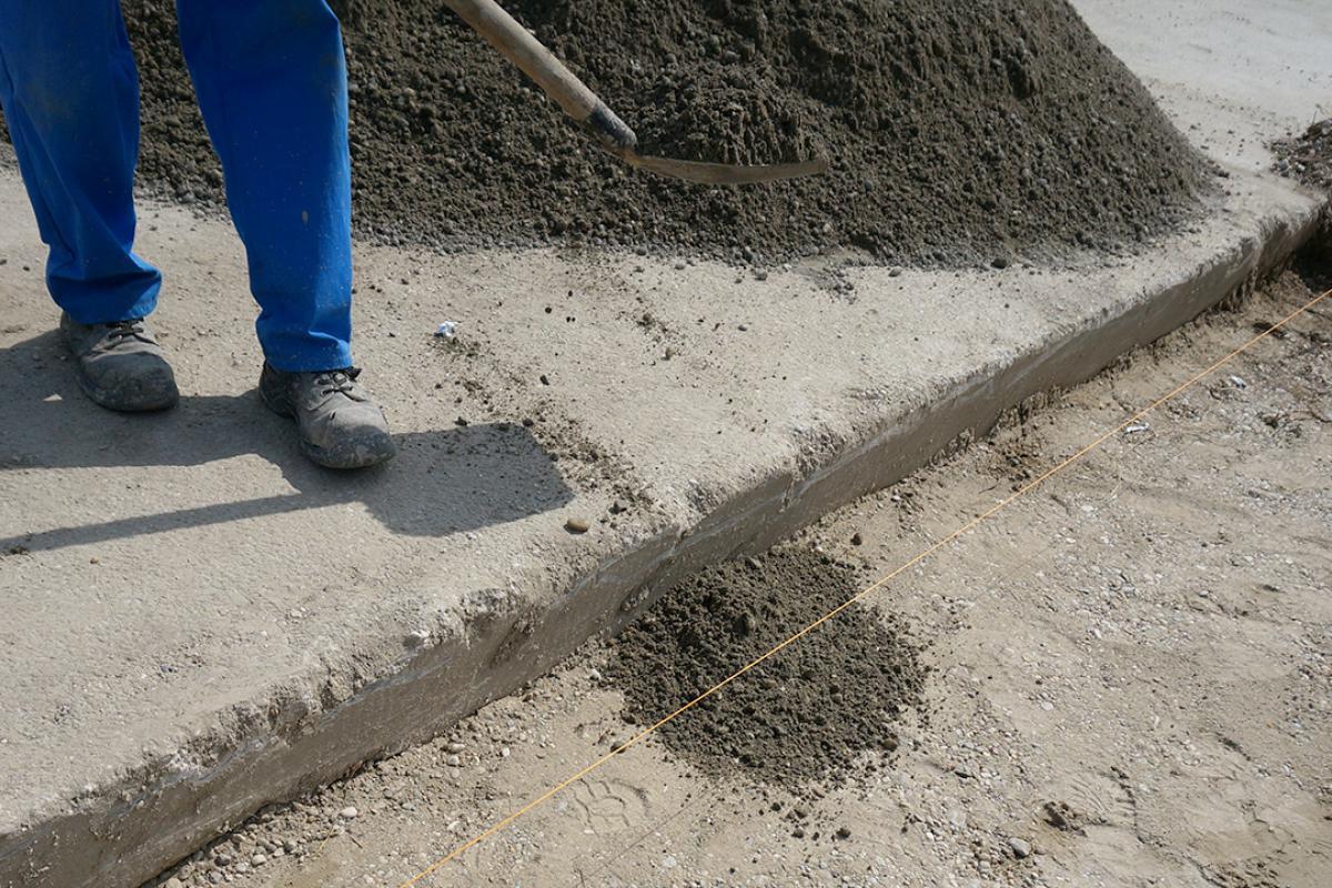 Sehr Randsteine setzen - Anleitung um Betonrandsteine zu verlegen FB26