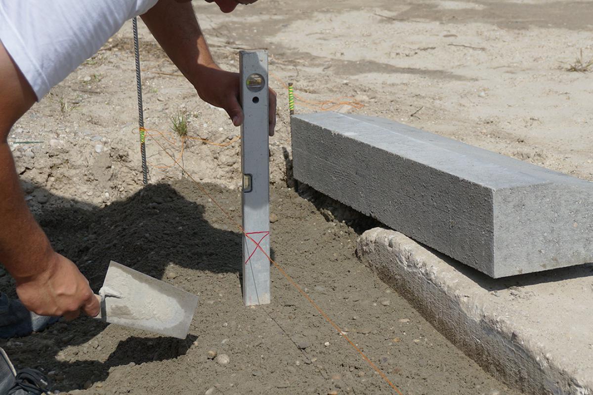 Berühmt Randsteine setzen - Anleitung um Betonrandsteine zu verlegen NB06