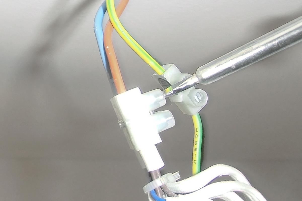 zusätzliche lampen an vorhandene lampen anschließen