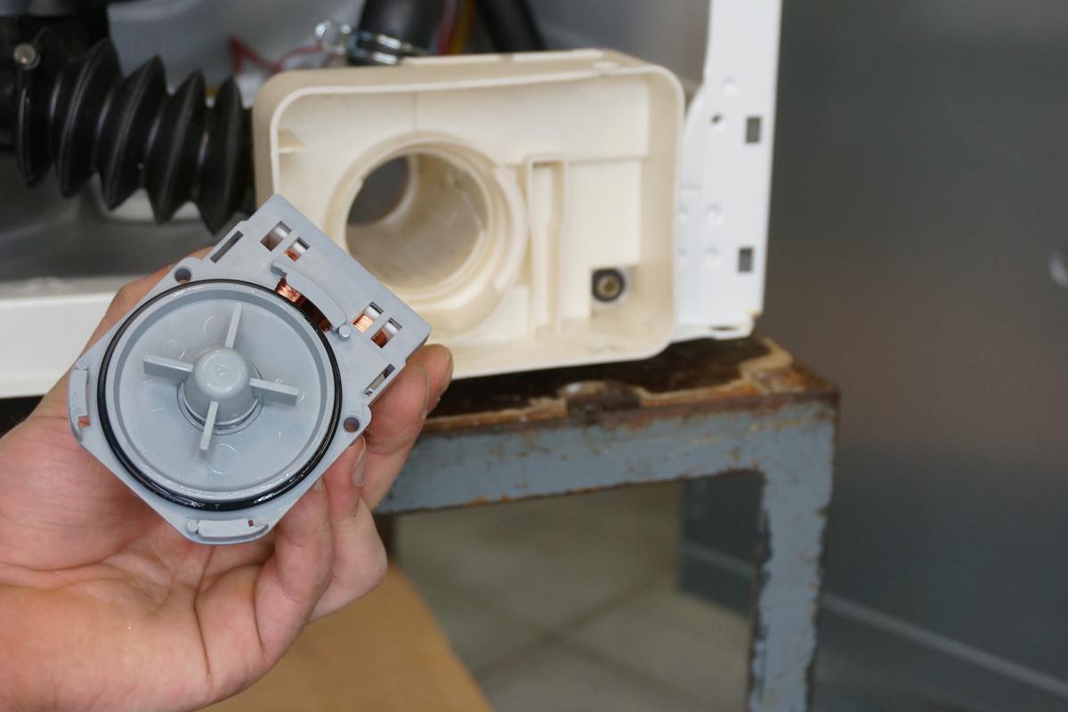Sehr Die Waschmaschine pumpt nicht ab - 6 Gründe | Haushaltsgroßgeräte HP12