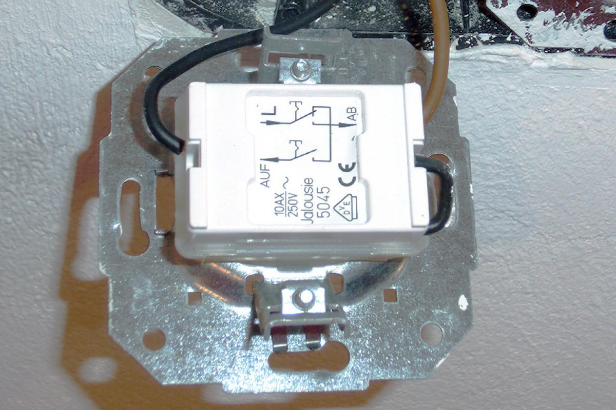 Turbo Jalousieschalter anschließen - Anschluss eines elektrischen KE68