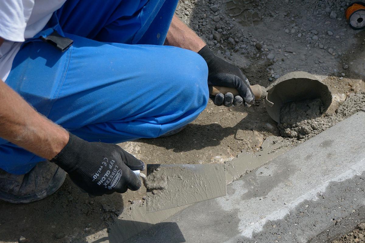 Hervorragend Randsteine setzen - Anleitung um Betonrandsteine zu verlegen JV93