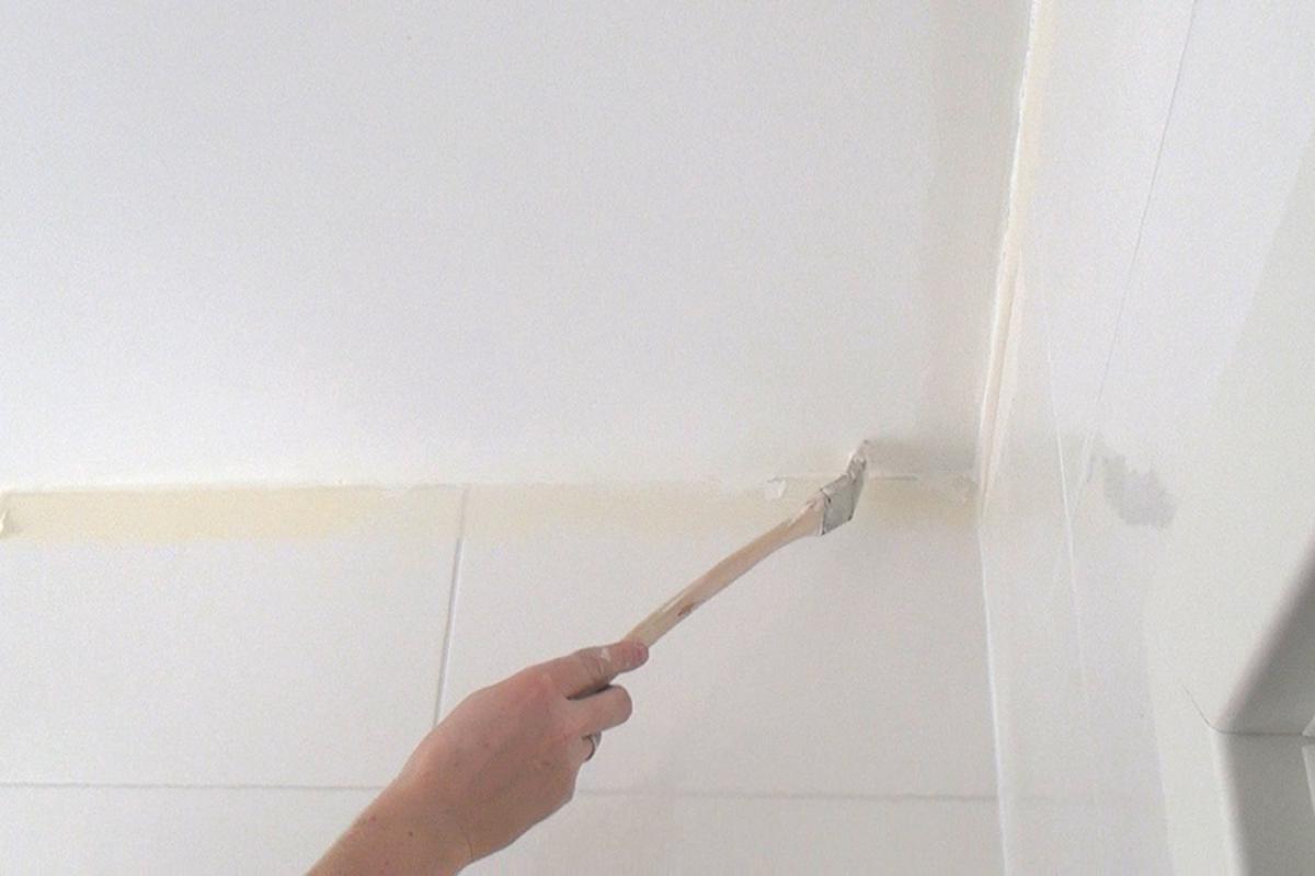 Schimmel An Der Decke Beseitigen Anleitung Tipps Vom Maler Streichen Diybook At