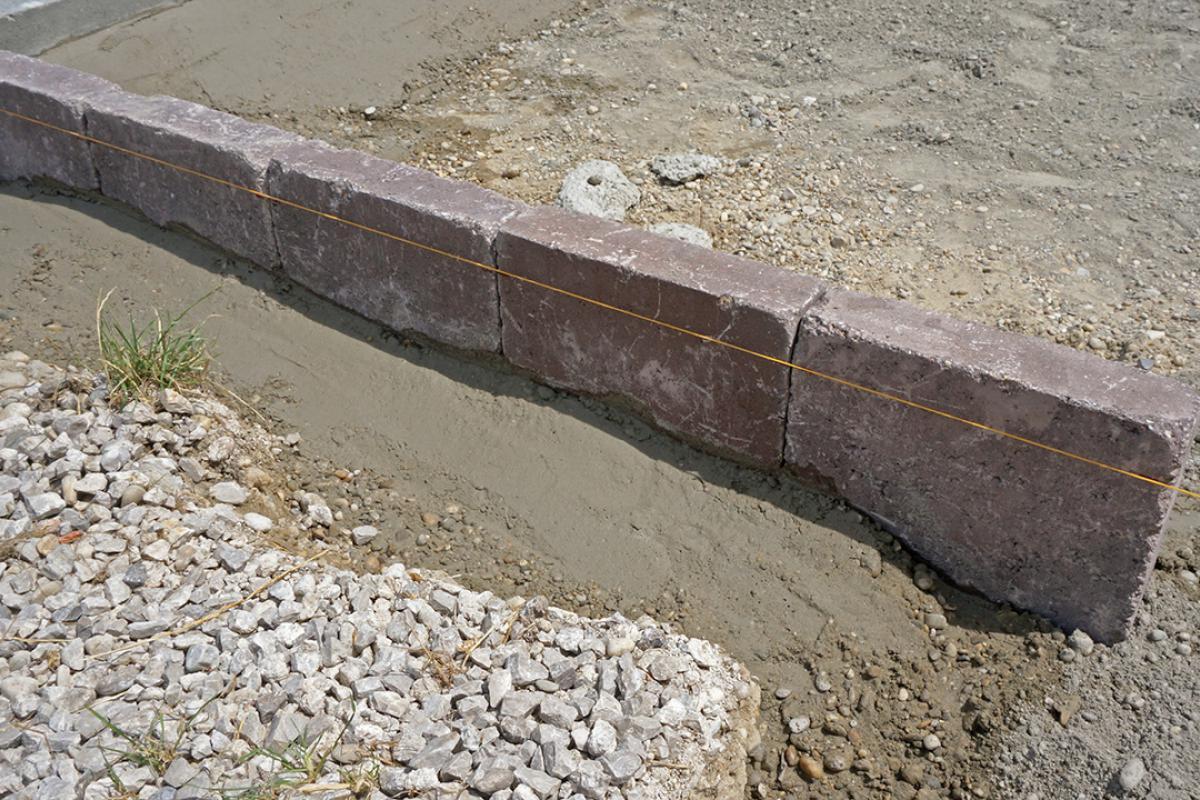 Häufig Randsteine setzen - Anleitung um Betonrandsteine zu verlegen JL77