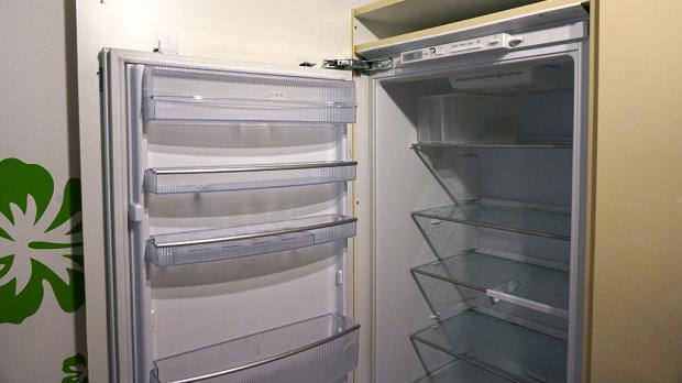 Kühlschrank Mit Defekter Tür