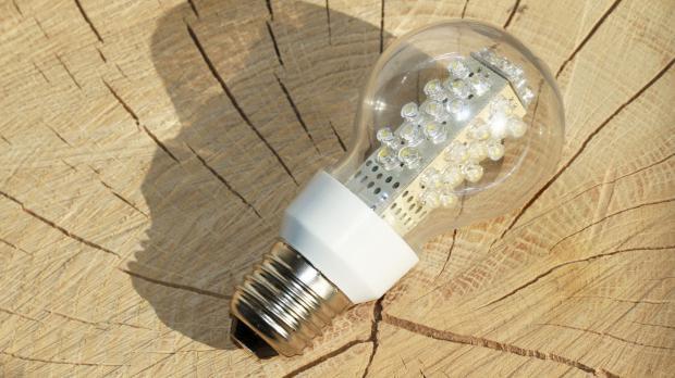 LED-Lampe mit Fassung retrofit