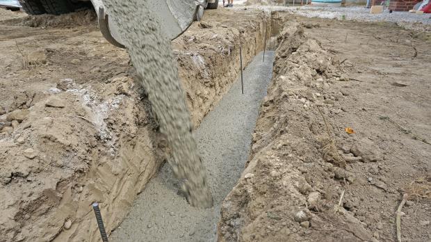Streifenfundament betonieren