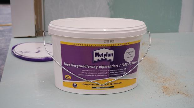 Pigmentierte Grundierung zur Untergrundvorbereitung