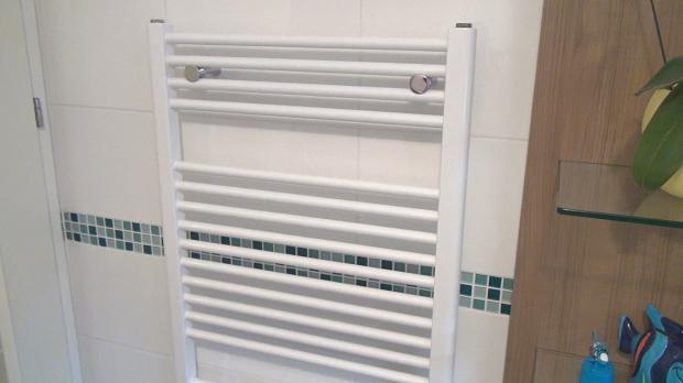Nice Handtuchheizung Entlüften. Handtuchhalter Im Oberen Stockwerk