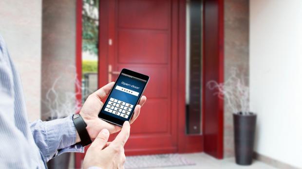 Smartphone fungiert als Türöffner