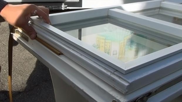 Neue Fensterdichtung anbringen