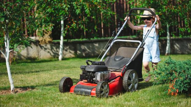 Keine angemessene Gartenarbeit für Kinder