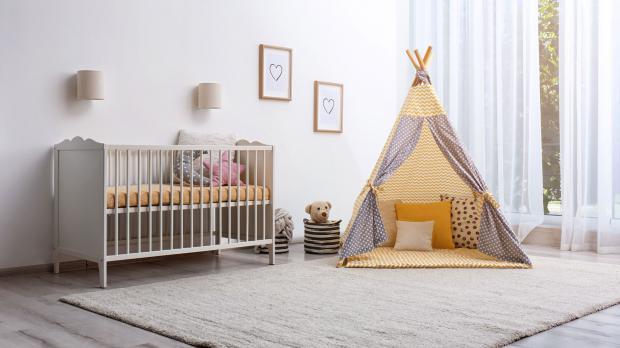 Kinderbett mit Indianer-Tipi