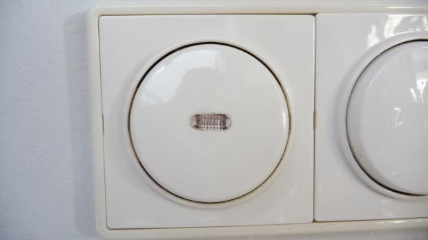 Bosch Kühlschrank Alarm Leuchtet : Siemens spülmaschine fehler e auch geschirrspüler bosch neff