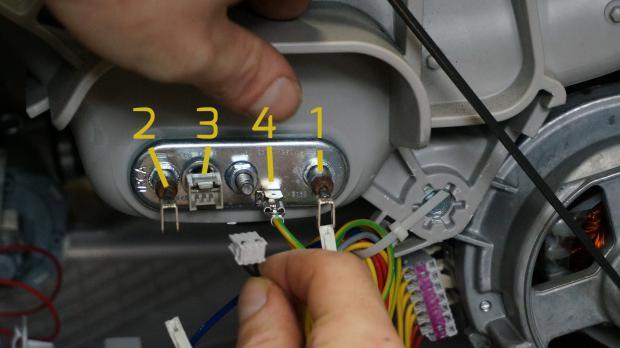 Kabel vom Heizstab entfernen