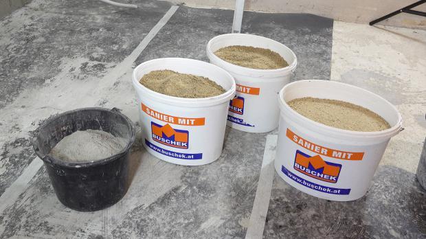 Sand und Zement bereitstellen