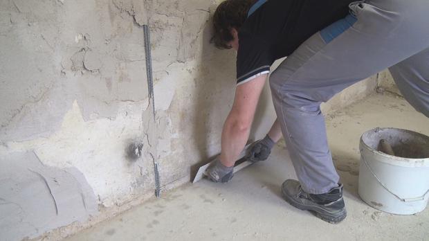 Betonwand Verputzen innenwand verputzen rollputz auftragen innenwnde verputzen schritt