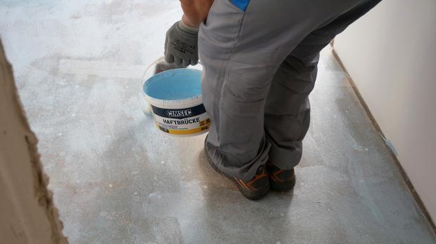 Geklebten teppich entfernen perfect abdruck aus einem for Boden nivellieren