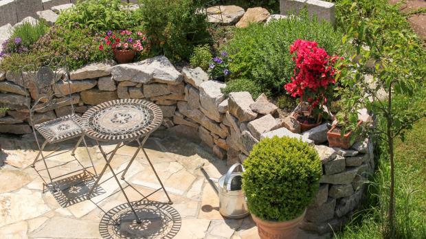 naturstein im garten - ratgeber @ diybook.at, Gartenarbeit ideen