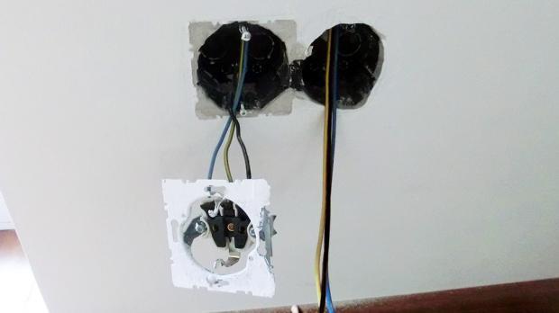 schalter einbauen vorbereitung eines elektrischen rollladens anleitung. Black Bedroom Furniture Sets. Home Design Ideas
