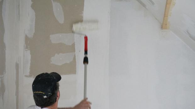 gipskarton streichen trockenbaufarbe im einsatz anleitung tipps. Black Bedroom Furniture Sets. Home Design Ideas