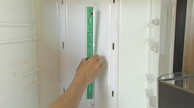 Siemens Kühlschrank Licht Geht Nicht Aus : Kühlschrank led beleuchtung wechseln anleitung diybook at