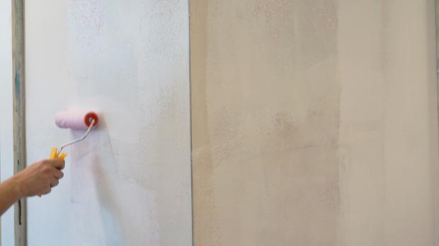 Vliestapetenkleister An Wand Auftragen