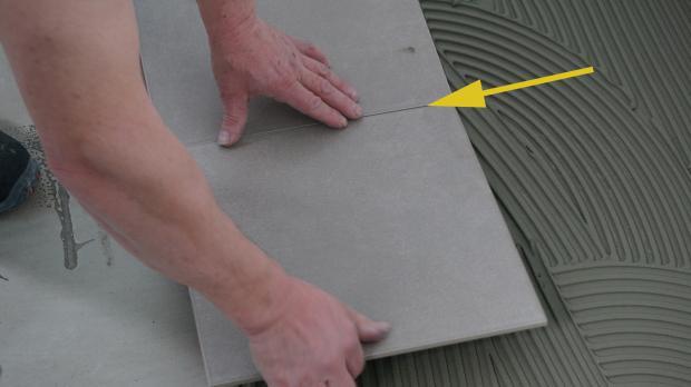 Fußboden Fliesen Verlegen Preise ~ Bodenfliesen verlegen anleitung diybook at