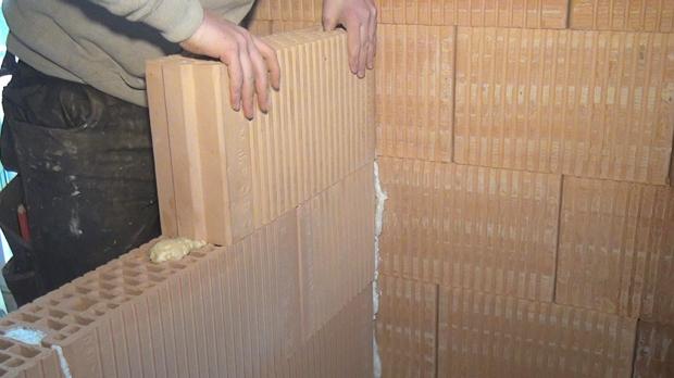 Trennwand bauen - weiter aufmauern