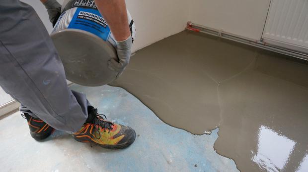 Boden nivellieren   mit anleitung zum erfolg   tipps vom ...