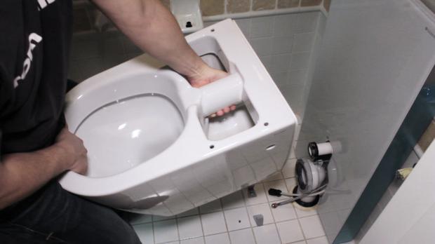 Toilette vorbereiten