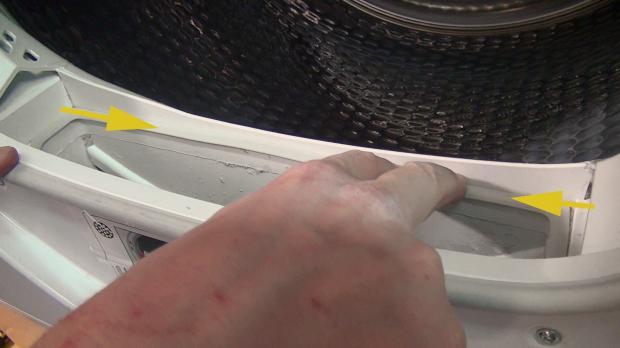 Dichtung: Flusenfilter auf richtigen Sitz kontrollieren