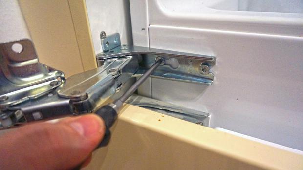 Aeg Kühlschrank Türanschlag Wechseln : Erstaunlich scharniere kühlschrank küchen ideen
