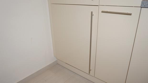 Bosch Kühlschrank Scharnier Wechseln : Gefrierschrank tür reparieren gefrierschrank scharniere tauschen