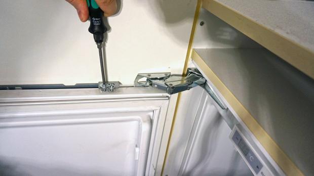 Siemens Kühlschrank Tür Justieren : Siemens einbau kühlschrank scharniere wechseln: siemens