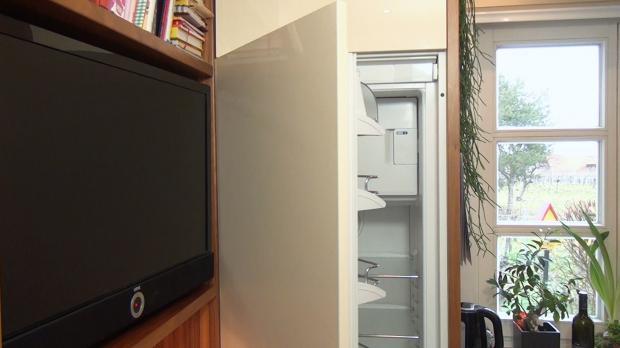 Liebherr Kühlschrank-Scharniere wechseln erfolgreich abgeschlossen