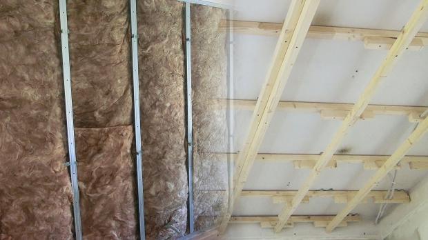 Metall- oder Holz-Konstruktion