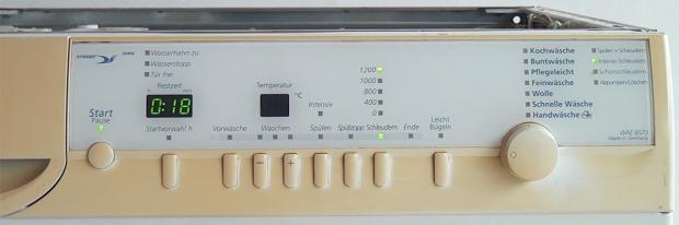Bedienblende einer Bauknecht-Waschmaschine