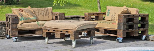 Gartenmöbel Aus Europaletten Bauanleitung palettenmöbel selber bauen diybook at