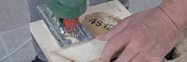 Ladestation für das Tonie-Regal ausschneiden