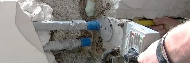 Wasserleitungsrohre beim verpressen