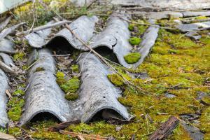 Asbestgefahr gebannt? – Was wirklich noch in Häusern schlummert