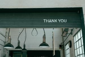 Garagentor renovieren: Schnelle Hilfe für zwischendurch